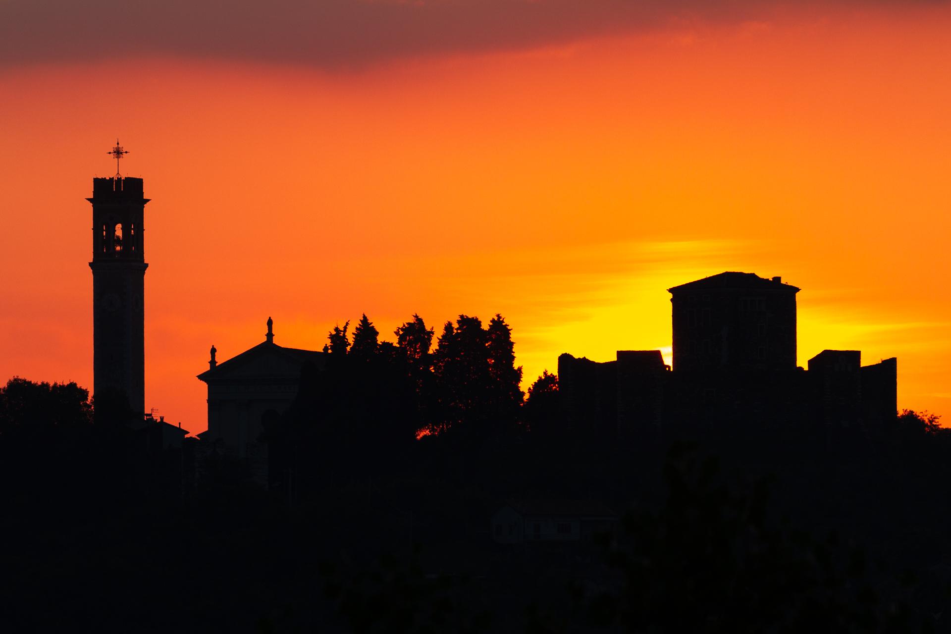 Castello di Arzignano al sorgere del sole