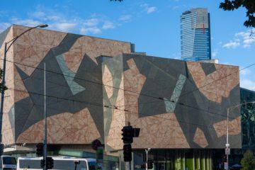 Melbourne - Ian Potter Center con Eureka Tower sullo sfondo